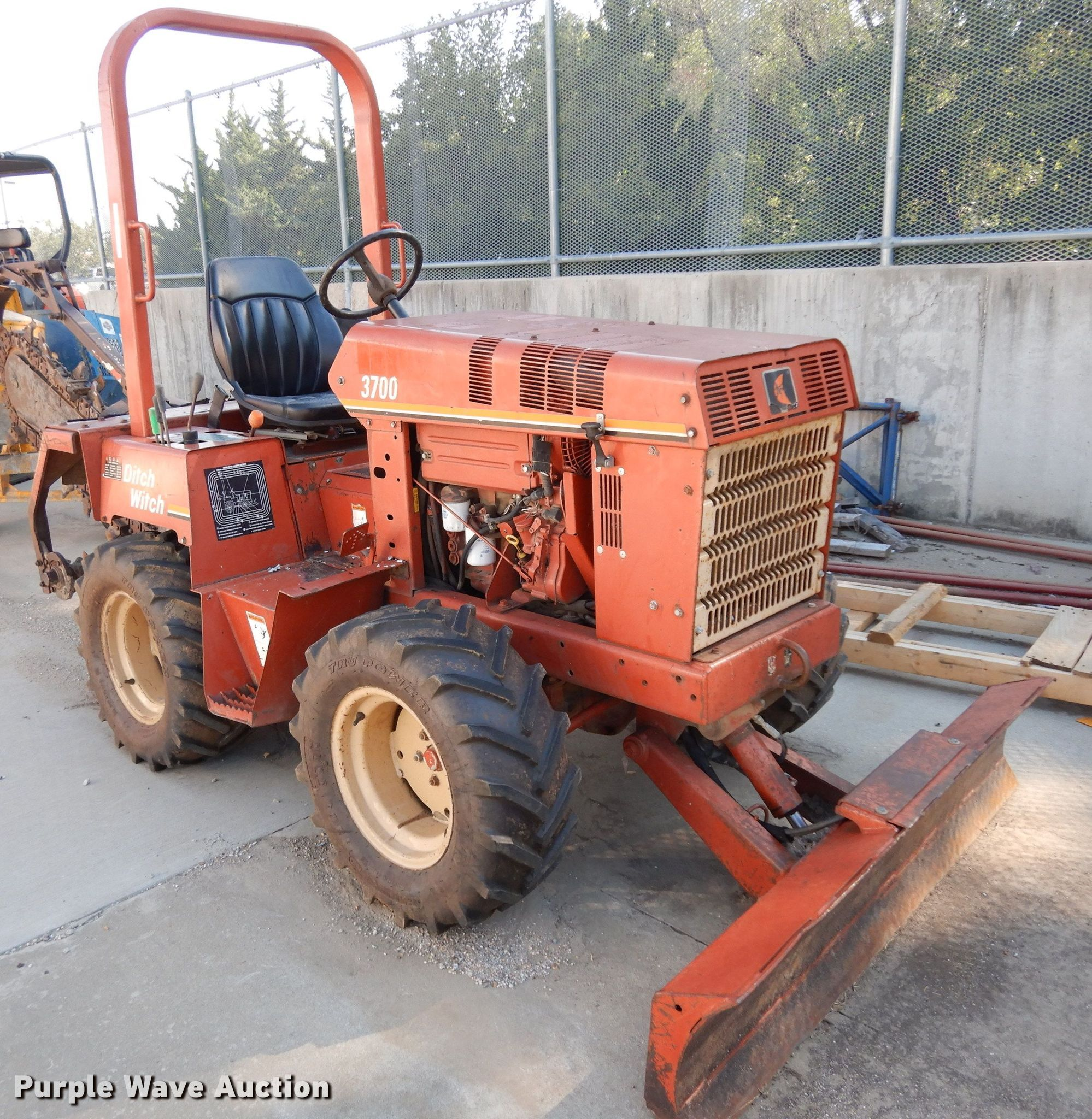 Ditch Witch 3700DD Trencher for sale or rent sunflower equipment rentals topeka lawrence kansas blue springs missouri